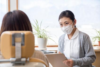 歯医者で承諾書にサイン